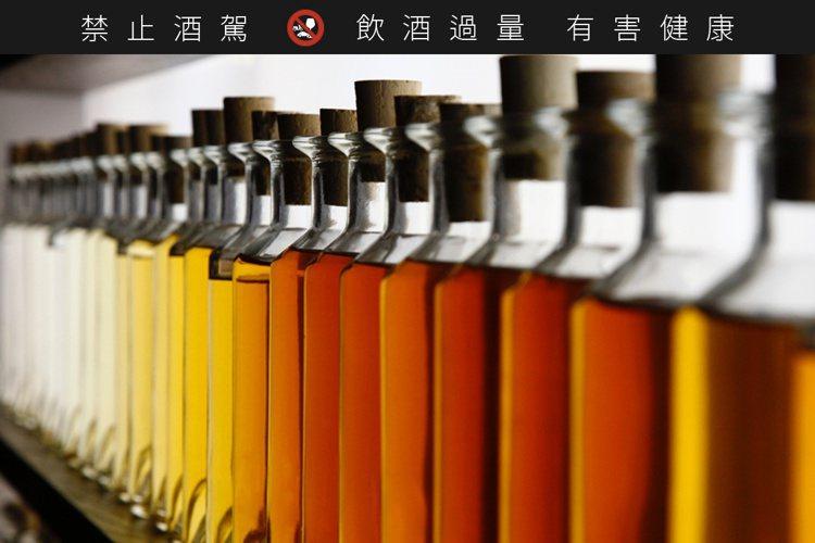 路易十三選用1200種以上生命之水。圖/路易十三提供。提醒您:禁止酒駕 飲酒過量...