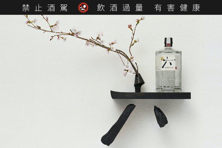 「六」琴酒是來自日本的精品型琴酒。圖/台灣三得利提供。提醒您:禁止酒駕 飲酒過量...
