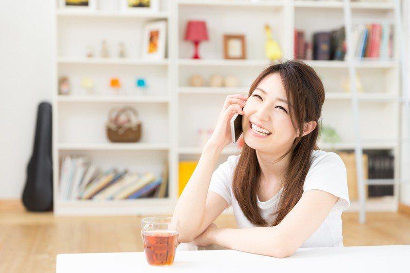 台灣之星推出比預付卡更適合中小學生的「U15孩子門號免費領」,25歲以下的「U25學生」申辦台灣之星指定資費也可享專屬優惠。圖/台灣之星提供