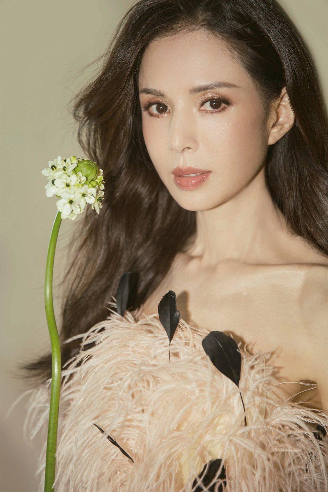 李若彤曾有最美小龍女之稱,現在卻飽受過瘦流言影響。圖/LiTV、李若彤工作室提供