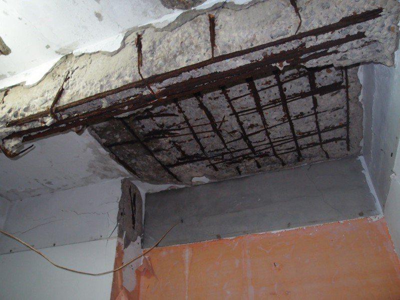 新北市都更處推出「新北挺安全方案」,全額出資協助有安全疑慮的建築物,辦理高氯離子鋼筋混凝土建築物鑑定。圖/新北市都更處提供