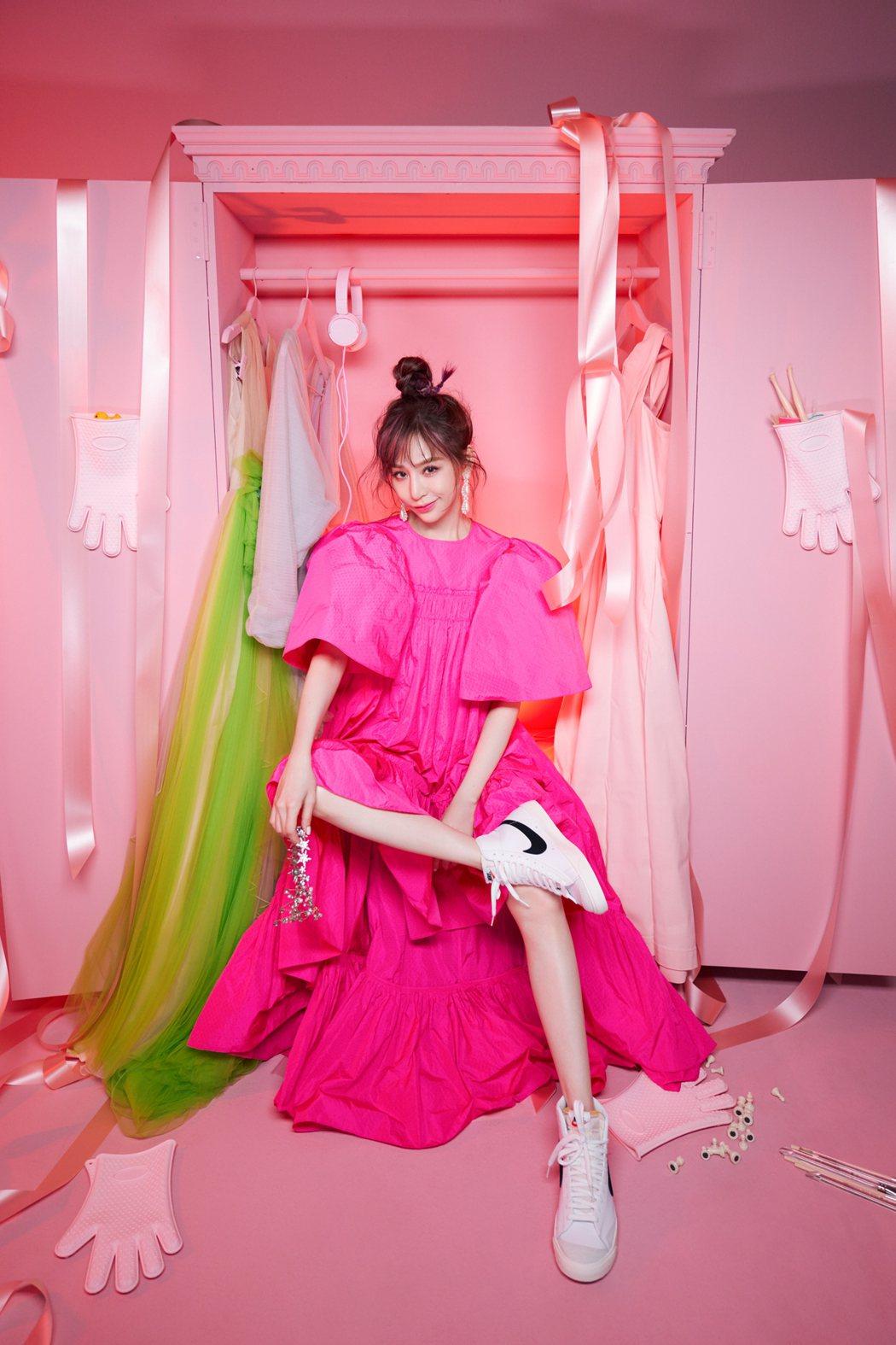王心凌推出精選輯「My! Cyndi!」。圖/環球音樂提供