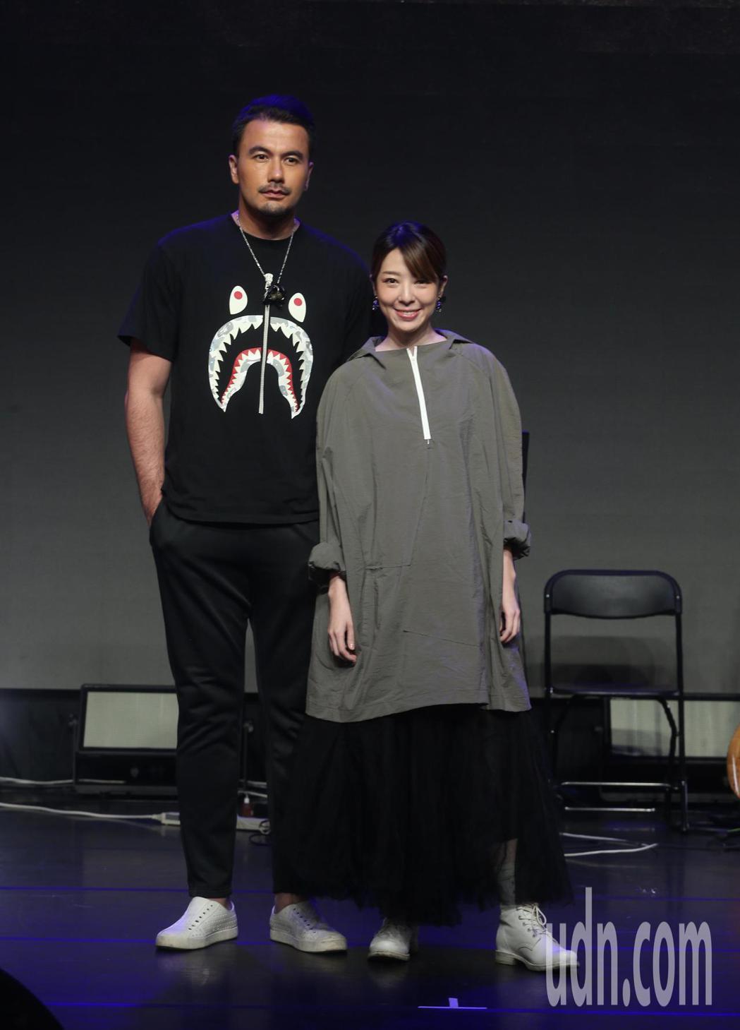 海霧5G魔幻電影演唱會,黃志瑋(左起)、路嘉欣出席。記者曾吉松/攝影