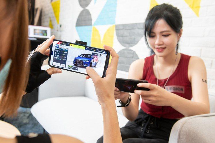Lenovo Legion Phone Duel配備2,000萬像素前置相機鏡頭...