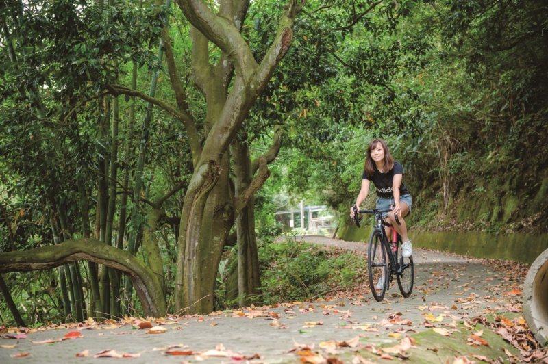 寶山鄉是新竹縣最鄰近竹科的鄉鎮,卻同時保有許多自然景觀,尤其生態公園內環境清幽,...