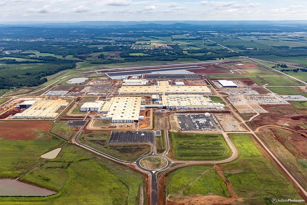 新工廠落成後每年產能將會達到30萬輛(包括Mazda汽車15萬輛與Toyota汽...