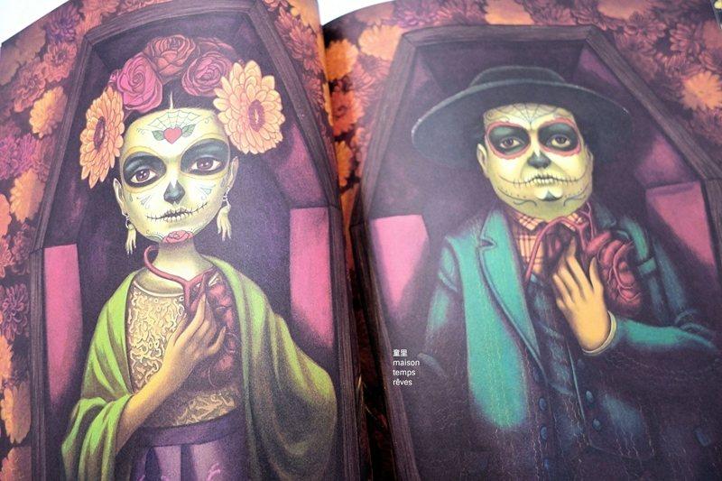 在班傑明.拉孔繪製的《FRIDA》紙雕繪本裡,融入了南美洲明亮鮮艷的熱帶顏色與繁複繽紛的花草裝飾。 圖/童里繪本洋行