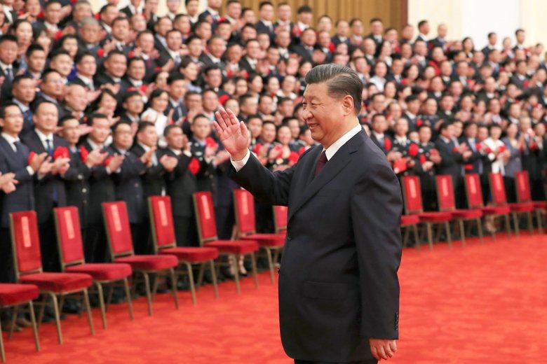9月8日中共在北京召開「全國抗擊新冠肺炎疫情表彰大會」,但中國國家主席習近平演說時卻發生尷尬場面。 圖/新華社
