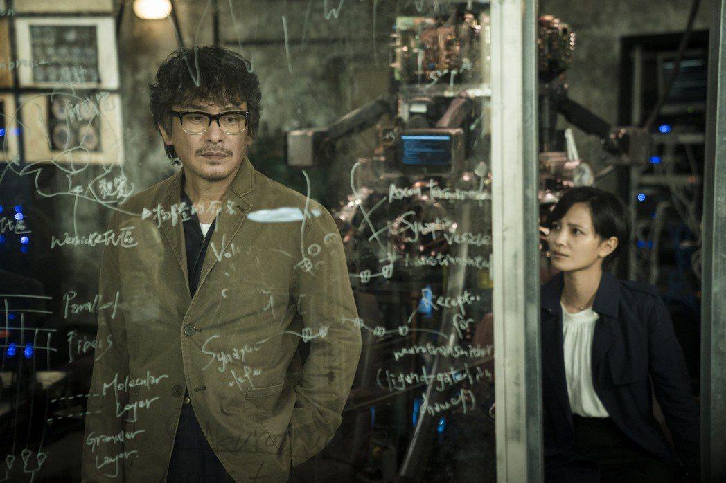 王識賢吳子霏新戲扮父女檔。圖/HBO Asia提供