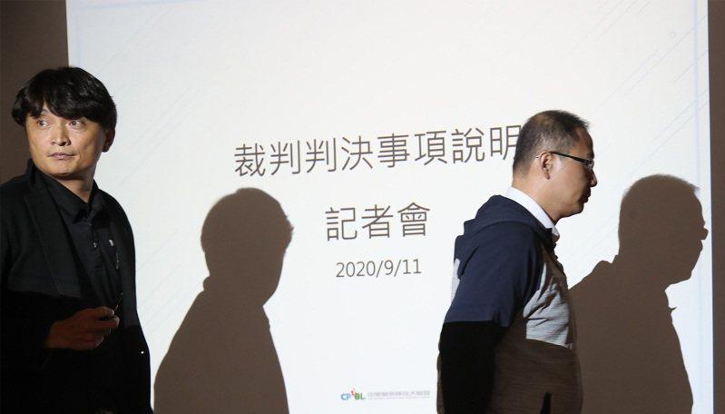 中職聯盟秘書長馮勝賢在臉書回應,他願意向中信兄弟球團道歉。 中央社