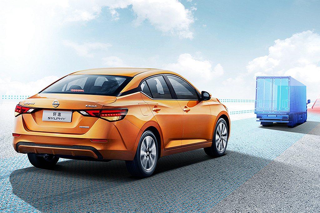 中國新年式日產軒逸搭載1.6L自然進氣汽油引擎,具備133hp最大馬力與16.2...