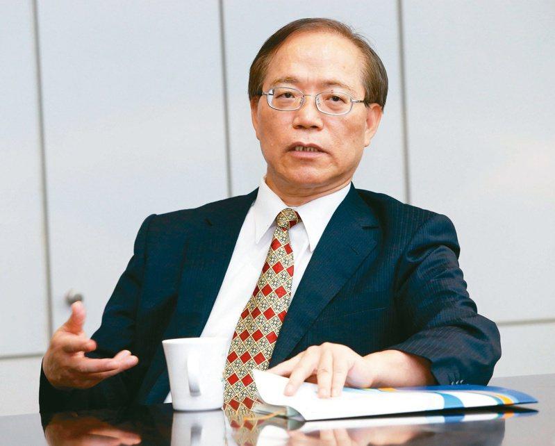 中華電信董事長謝繼茂表示,目前中華電的5G用戶已經超過10萬戶,iPhone 12即將推出,其作為重要「催化劑」,有助於今年5G用戶目標達到30萬戶。 本報系資料庫