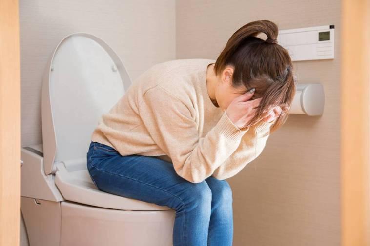 正確使用免治馬桶也是同等重要的觀念,尤其現代女性工作整天坐著易長痔瘡,生完孩子常...