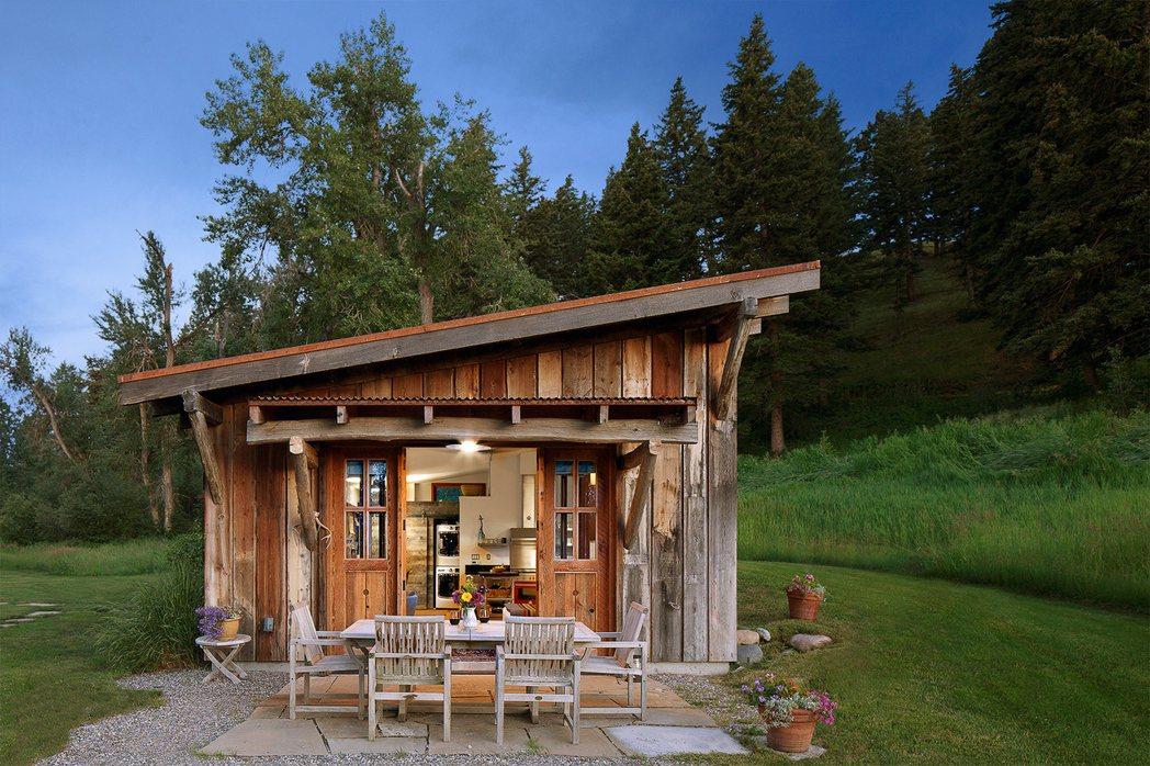 美國蒙大拿州:原始木造迷你屋。 Airbnb /提供
