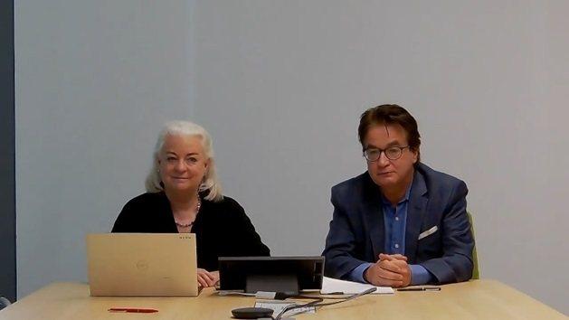 戰略夥伴MAXIS CEO Kate Marshall(左)及iNAP Prog...