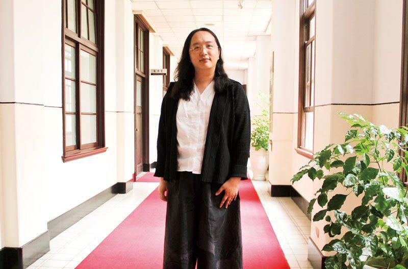 數位行政委員唐鳳將個人資訊安全,淋漓盡致地落實於日常通訊產品的使用。