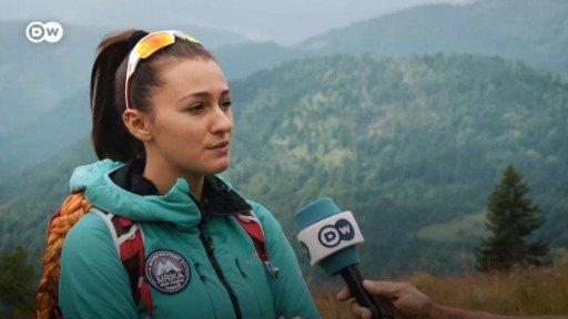科索沃女孩穆麗卡‧尼克奇先後在七大洲登頂最高峰。圖/德國之聲