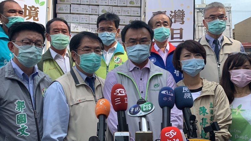 農委會主委陳吉仲對國民黨食安公投,提出看法。記者吳淑玲/攝影