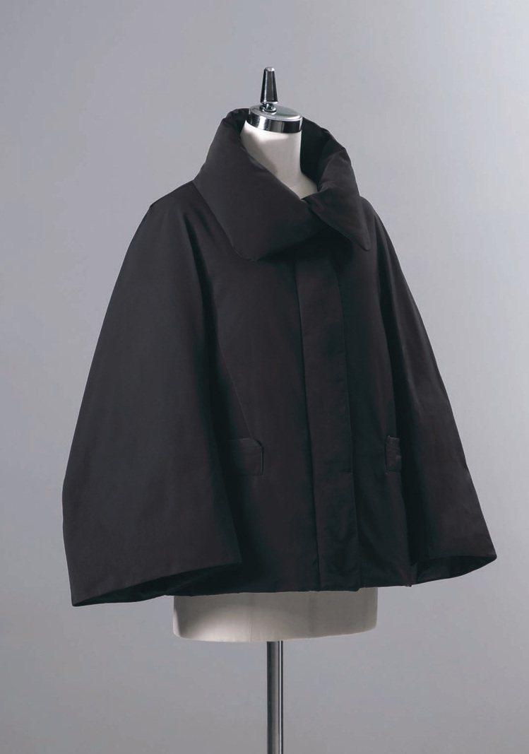 Jil Sander在第三期的Lifewear Magazine中,提到黑色之於...