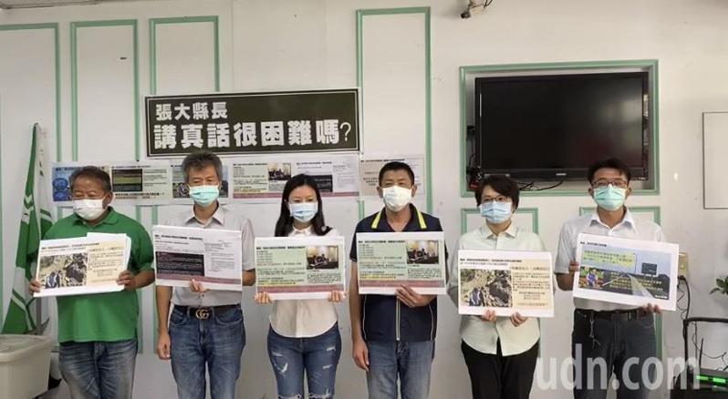 民進黨雲林縣黨部今天二度召開記者會批藍營「割稻尾」引戰火,讓外界霧裡看花以為「2022地方選戰提前開打了」。記者陳苡葳/攝影