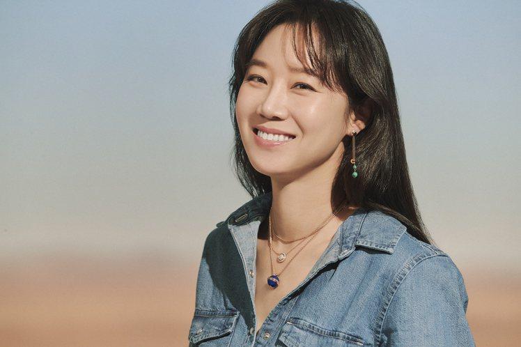 去年播出的「山茶花開時」,孔曉振精湛的演技,讓她廣受好評、並在今年拿下韓國百想藝...
