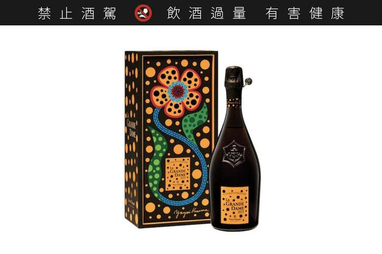草間彌生聯名款「香檳貴婦2012」,限量100瓶。圖/翻攝自IG。提醒您:禁止酒...