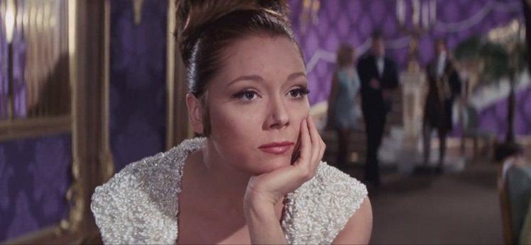 007電影「女王密使」是黛安娜蕾又一著名代表作。圖/摘自imdb