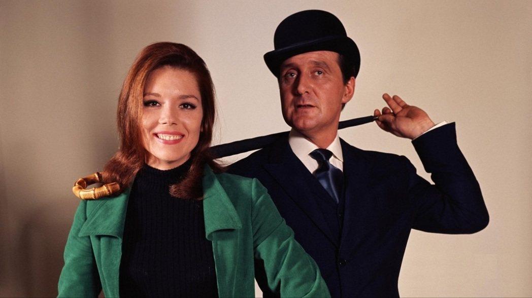 黛安娜蕾(左)演出「復仇者」影集後,事業攀上巔峰。圖/摘自imdb