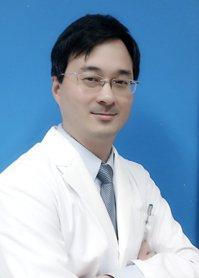 台中榮總耳鼻喉頭頸部主任王仲祺。圖/王仲祺提供