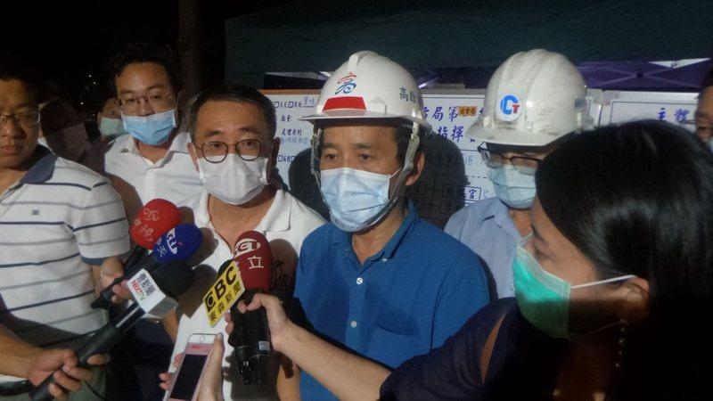 高雄市副市長林欽榮今晚10點宣布危機解除。記者林保光/攝影