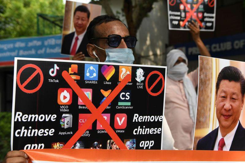 印度當局目前已禁用超過二百個大陸應用程式,包括熱門的抖音海外版。法新社