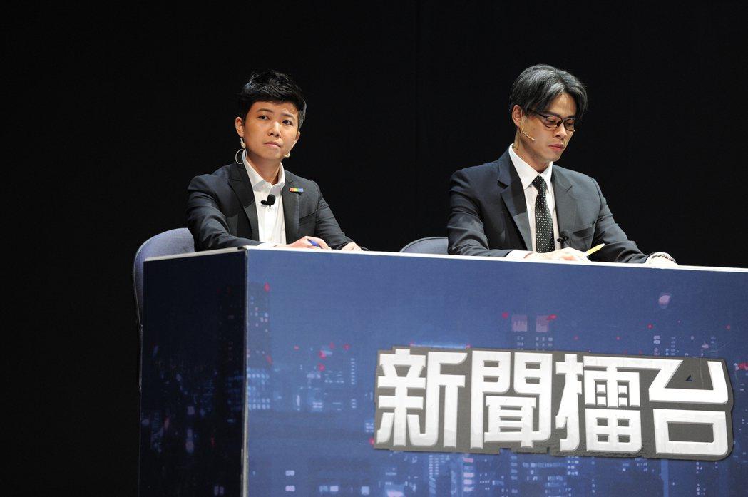 台北市議員苗博雅(左)客串「我們與惡的距離」劇場版。圖/故事工廠提供