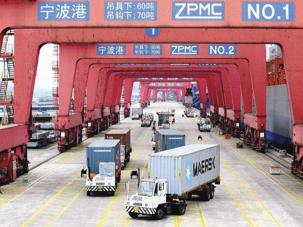 ECFA今屆滿10年,其存廢主要是要看兩岸互動以及美中關係的走勢而定,圖為大陸寧波港進口台灣的ECFA貨物。新華社