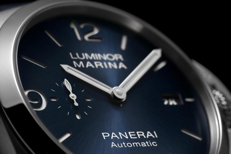 除了擁有經典的護橋式表冠,PANERAI的「小秒針」多採用「魚雷」形狀,成為品牌的視覺DNA。圖/PANERAI提供