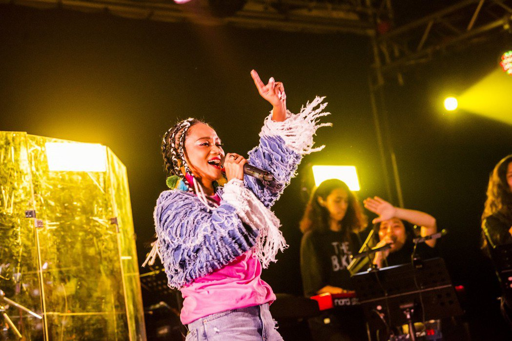 阿爆昨晚開唱,展現入圍本屆金曲8項入圍的演唱實力。圖/Legacy提供