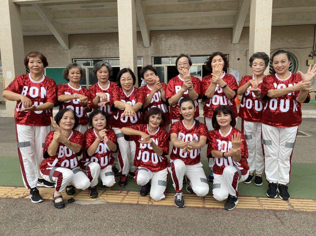 社區將洗手步驟結合舞蹈表演。 光田醫院/提供。