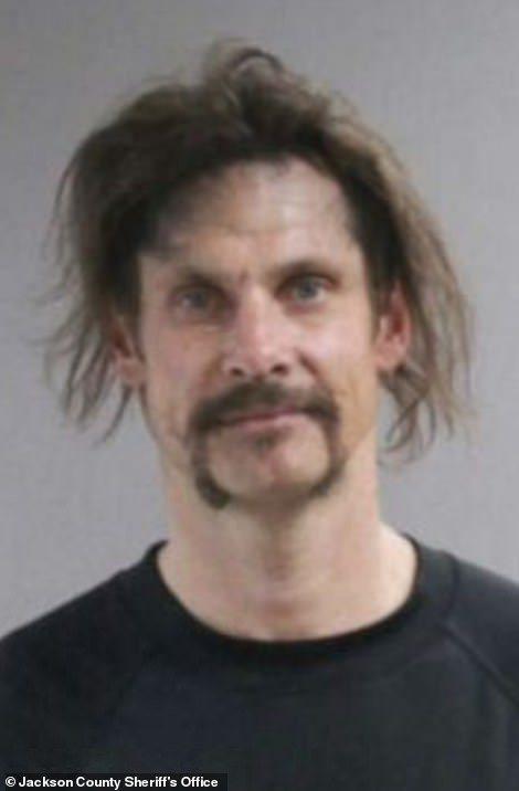 涉嫌縱火的41歲巴克拉11日被捕。美聯社