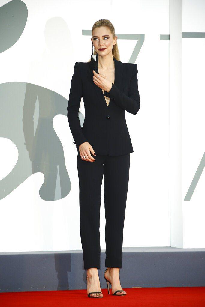 英國女星凡妮莎寇比今天憑藉「錐心之痛」勇奪威尼斯影展影后。 圖/美聯社