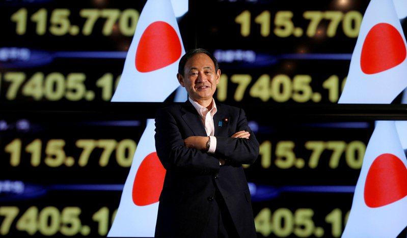 日本政府內閣官房長官菅義偉表示若擔任下屆首相,將承繼安倍晉三的路線。路透