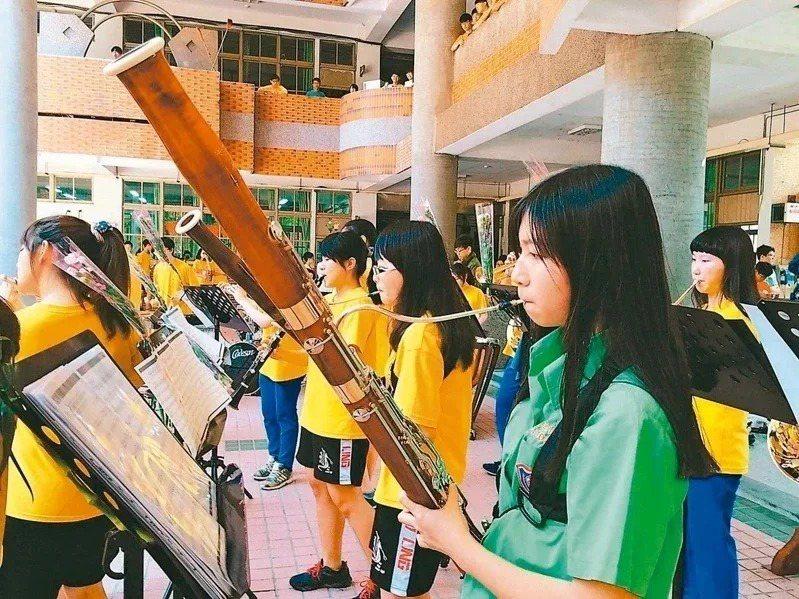 111學年大學指考改為分科測驗,音樂系擬加採歷史科來因應。圖為武陵高中音樂班。圖/聯合報系資料照片