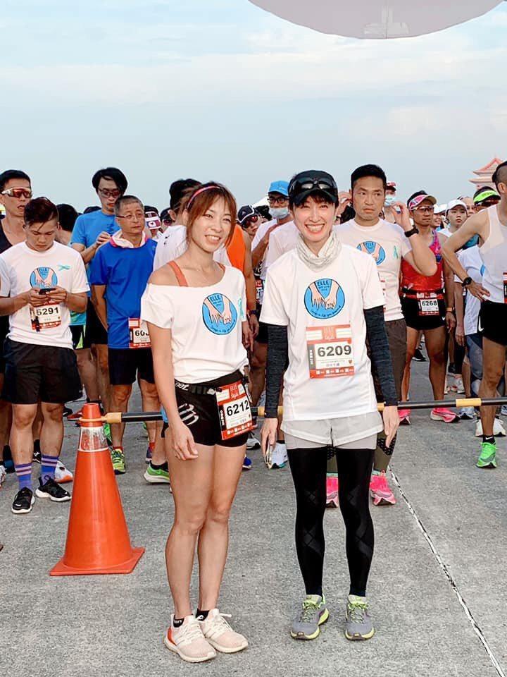 段慧琳(左)和田中千繪因為路跑而相識。圖/摘自田中千繪臉書