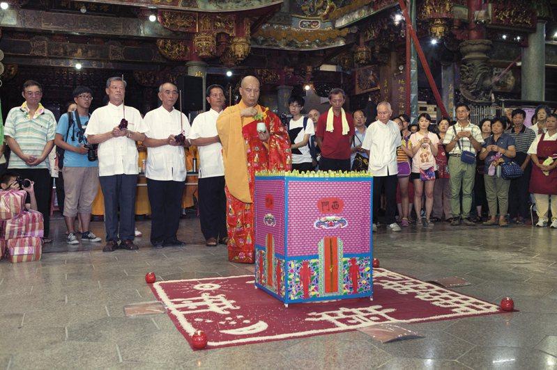 新莊地藏庵在農曆7月27日至29日鬼門關前3天舉辦超度法會。圖/新北市民政局提供