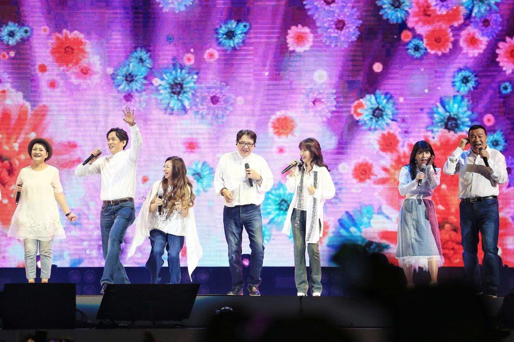 民歌45高峰會今天下午於台北小巨蛋登場,今年卡司高達14組。記者林伯東/攝影