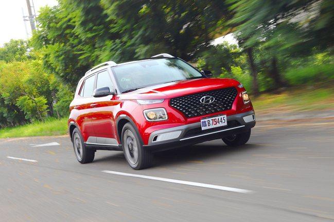 Hyundai Venue不僅有搶眼的外觀設計,65.9萬起的建議售價也吸引許多...