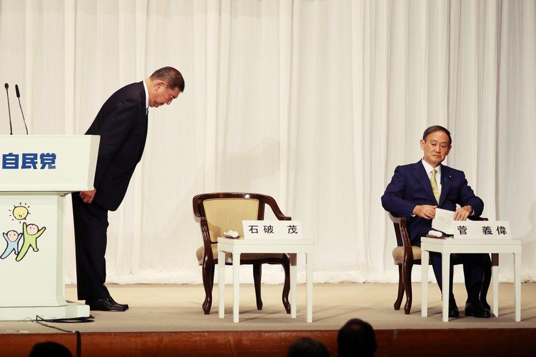 以地方票的結果來說,全部141票裡菅義偉就囊括89票、超過6成的壓倒性勝利。石破...