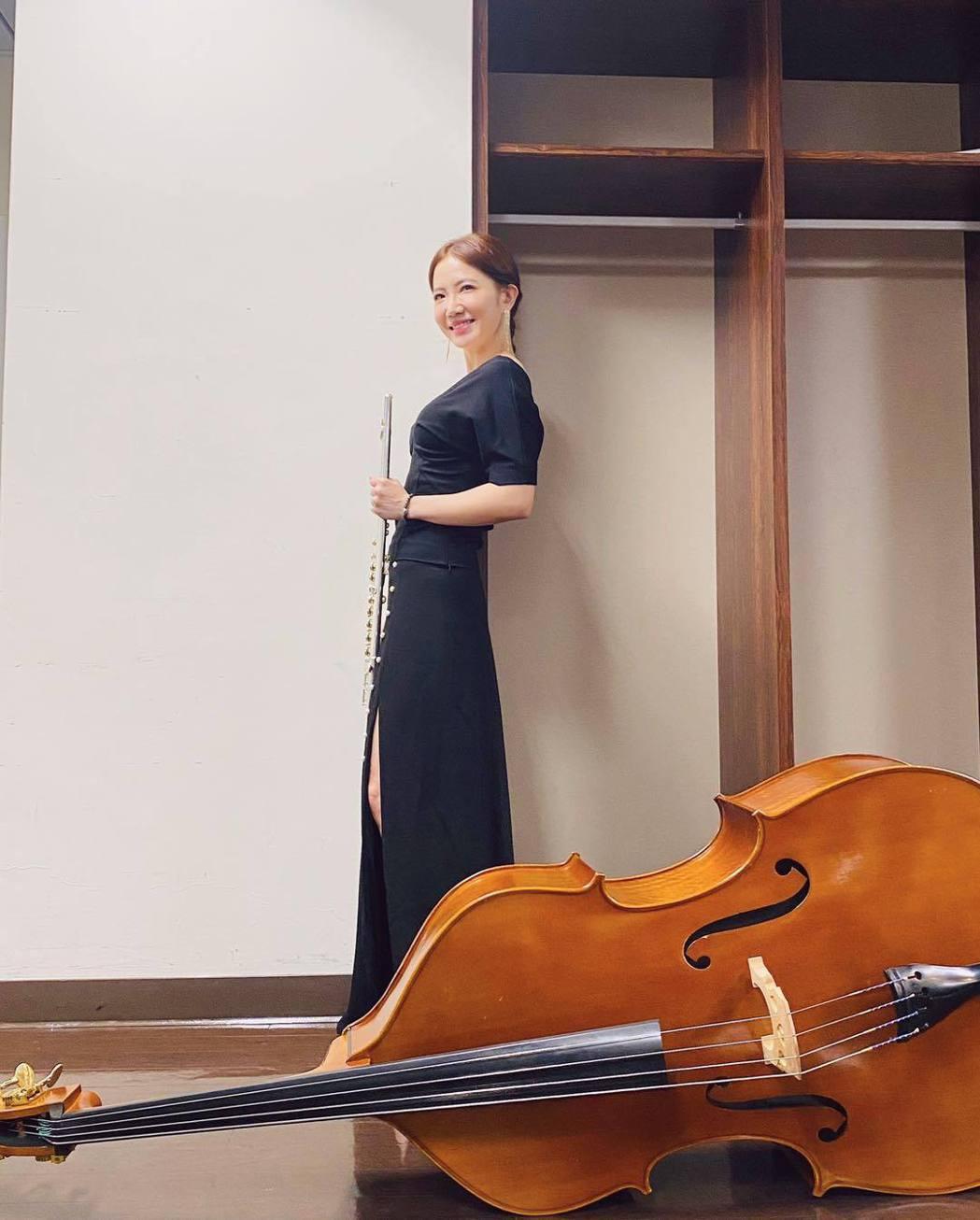 謝忻宣告將披上教師袍重返校園當老師。圖/擷自臉書