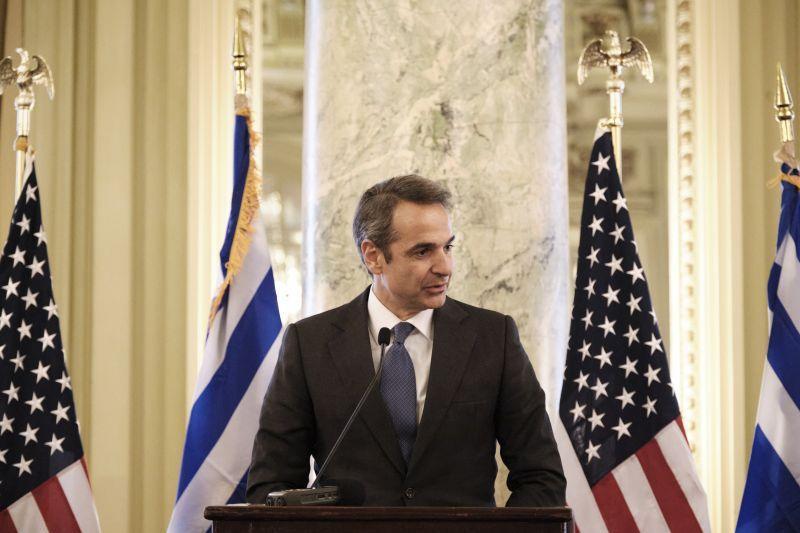 希臘總理米佐塔基斯13日宣布,將在萊斯博斯島上興建一個永久性移民接待中心。(photo by Twitter)