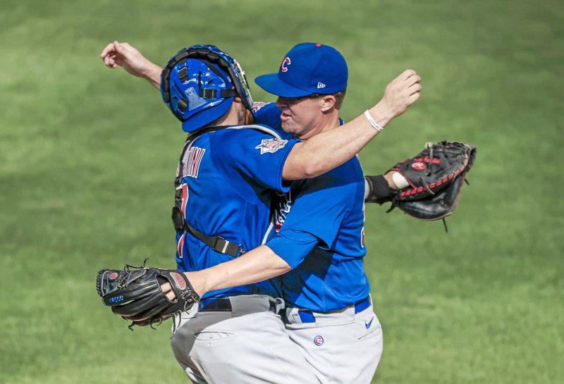 小熊投手米爾斯(右)締造無安打比賽。歐新社