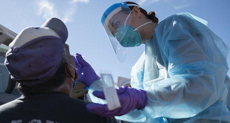 港大鼻噴式疫苗啟動試驗。圖/德國之聲