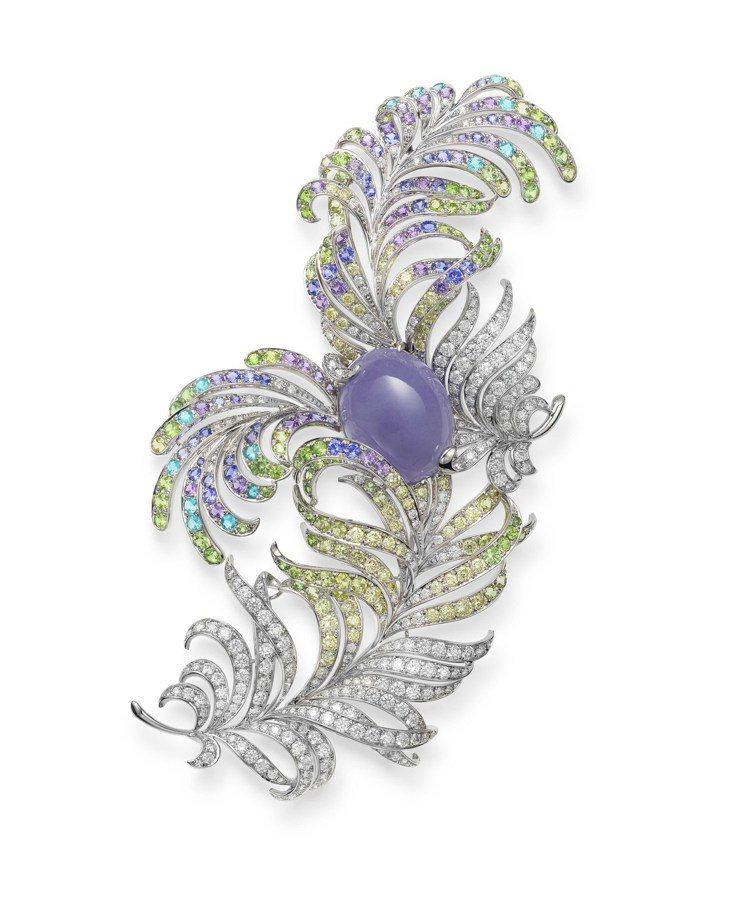 MIKIMOTO羽毛頂級珠寶系列羽毛造型翡翠胸針,價格未定。圖/MIKIMOTO...